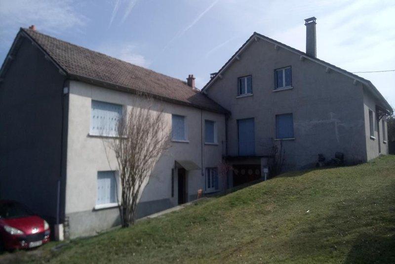 c0bcd8a641054c Saint-Georges (15100) - Maison, 133 m² avec 8 pièces