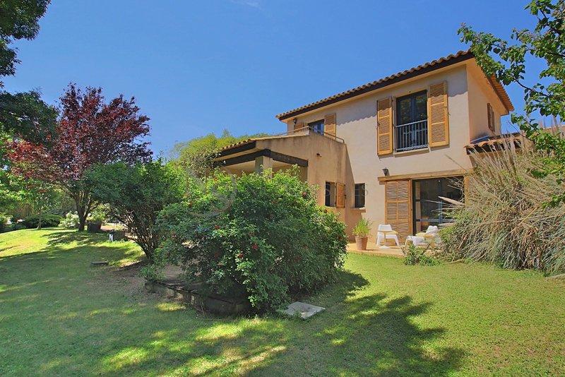 Aix en provence 13100 maison 250 m² avec 8 pièces