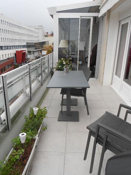 veranda balcon appartement piscine immofavoris. Black Bedroom Furniture Sets. Home Design Ideas