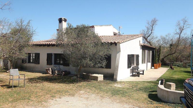 64127b4ddd4e41 Saintes-Maries-de-la-Mer (13460) - Maison, 200 m² avec 20 pièces
