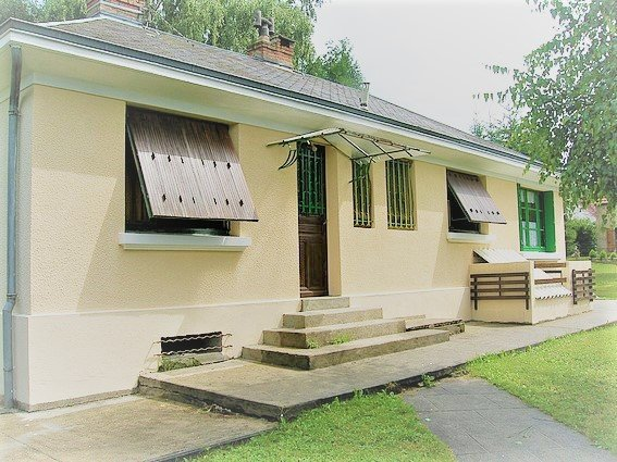 Maison Moderne Grande Baie Vitree   immoFavoris